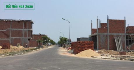 Nam Hoà Xuân: Sổ đỏ về, nhà mới cũng mọc lên ồ ạt, bất chấp biến động thị trường.