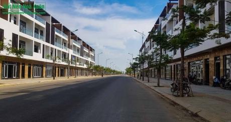 Shophouse Hòa Xuân vs Khách sạn mini ven biển, chọn cái nào?
