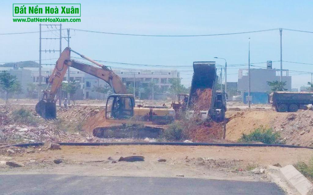 Cận cảnh thi công - hoàn thiện con đường cuối cùng tại dự án Nam Hoà Xuân B2-50-thong